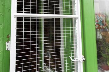 Сетка на дверь для кошек